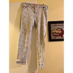 TINSELTOWN Floral Jeans